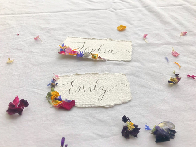 33 Unusual Wedding Place Card Ideas Your Guests Will Remember