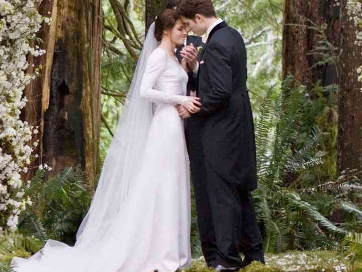 Bella Swan From Twilight S Wedding Dress Hitched Co Uk