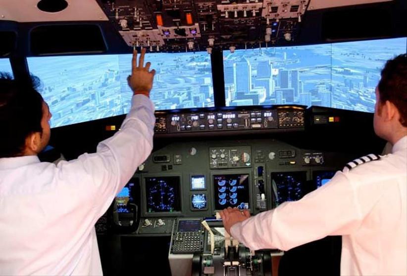 flight-simulator-in-london-2