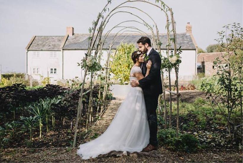 rustic-wedding-arch