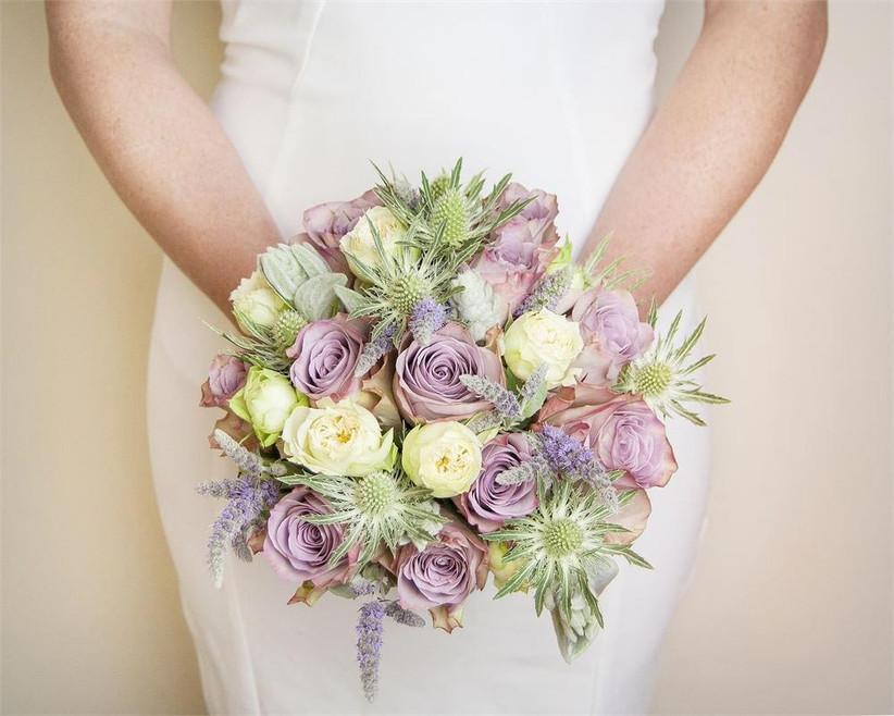 september-wedding-bouquet-with-eryngium
