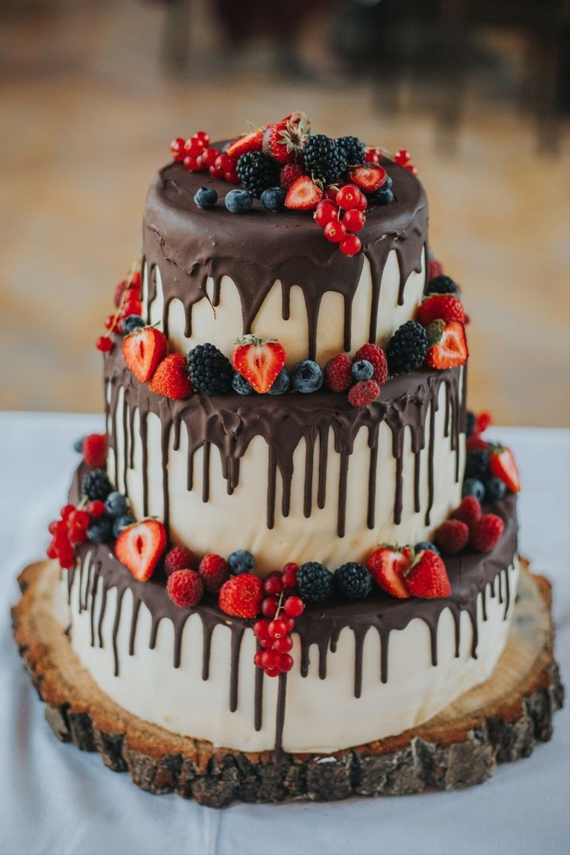 chocolate strawberry wedding cake