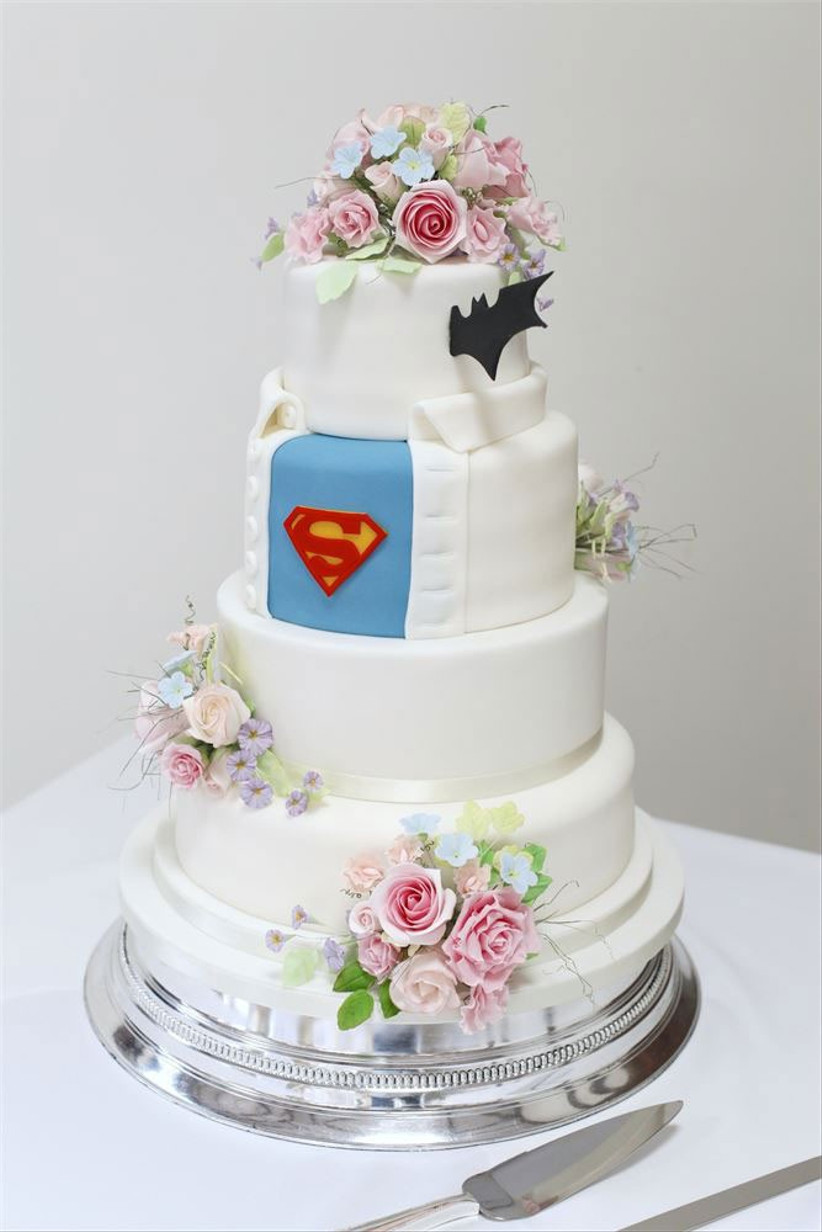 batman-and-superman-wedding-cake
