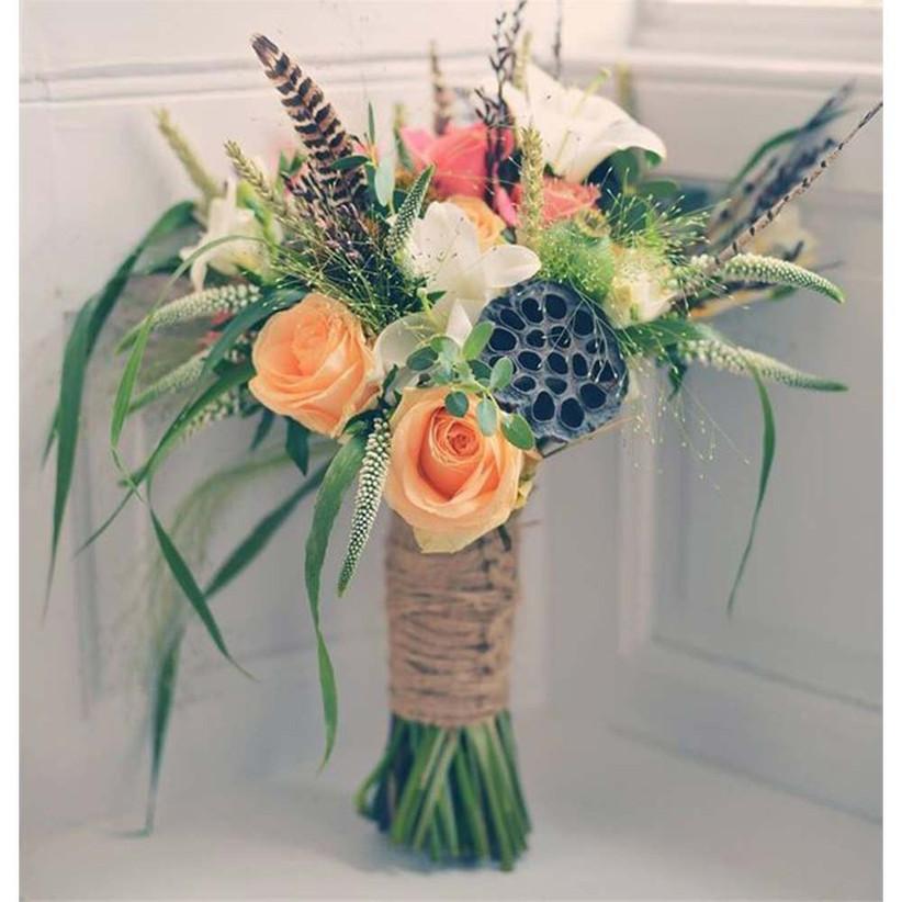 summery-rustic-wedding-bouquet