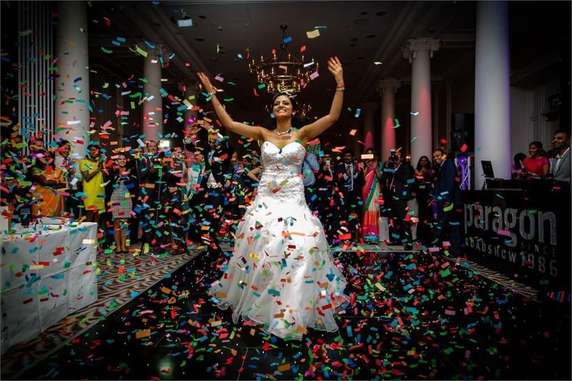 adams-wedding-photography-confetti-shot-2
