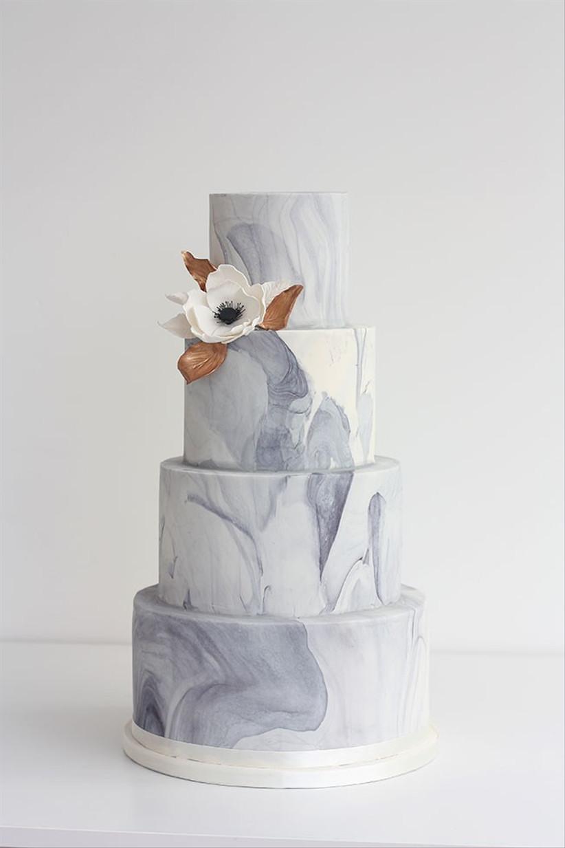 sugared-saffron-marble-cake