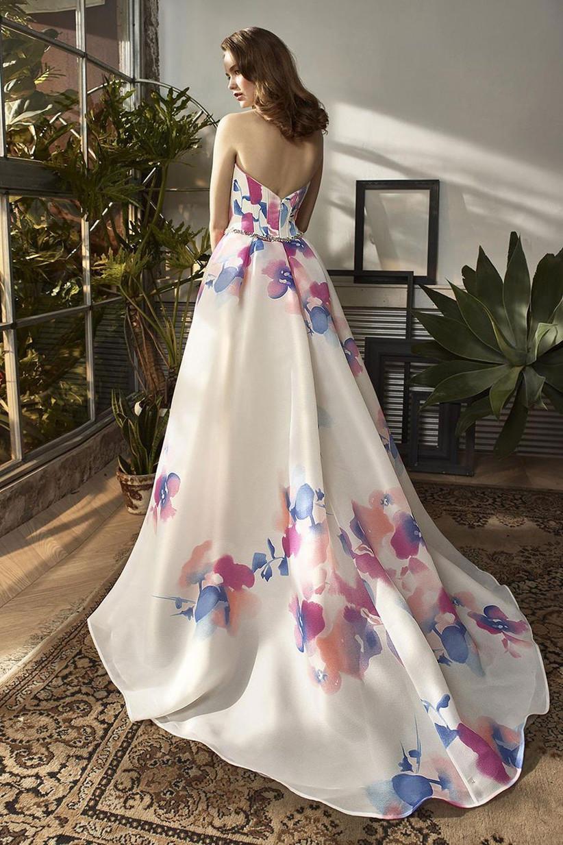 wedding-dresses-for-older-brides-21