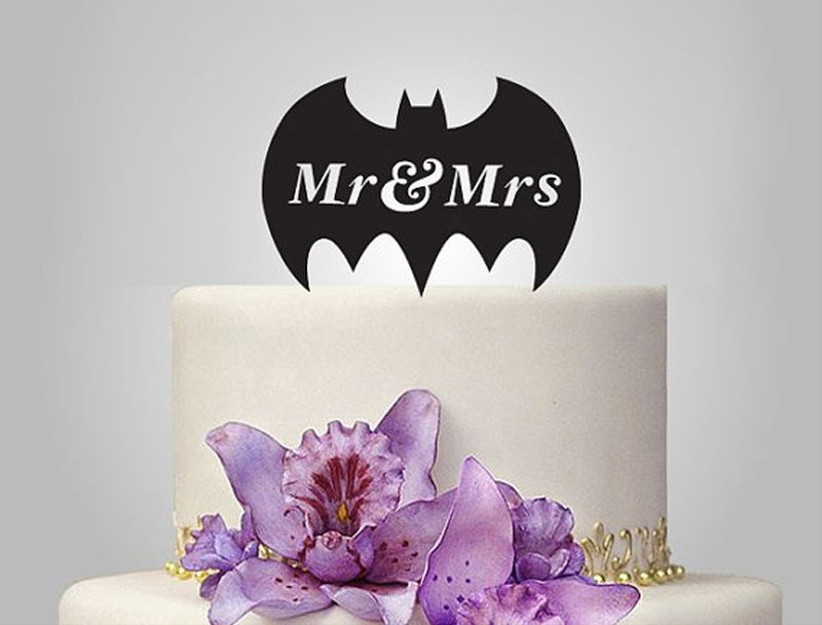 batman-wedding-cake-topper