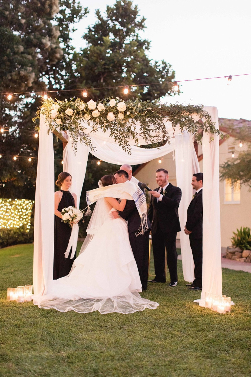 What To Expect At A Jewish Wedding The Ceremony And Traditions Explained
