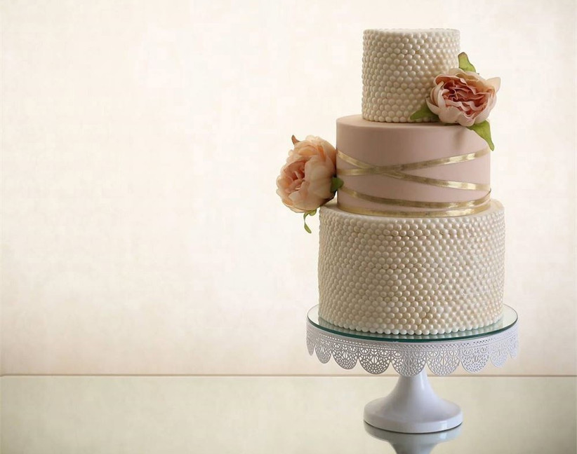 pearl-wedding-cake