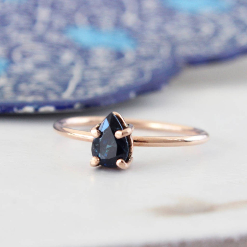 pear-sapphire-engagement-ring