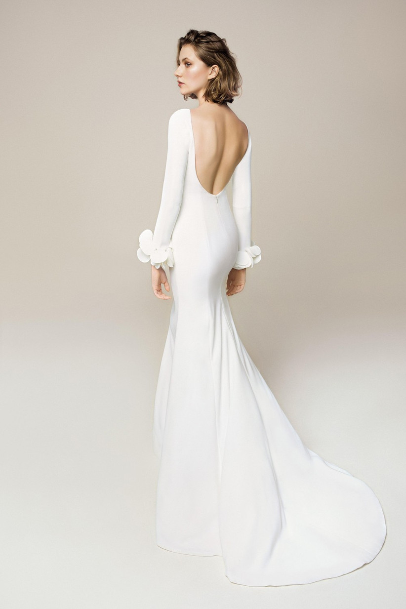 flat-chested-bride-dress-ideas
