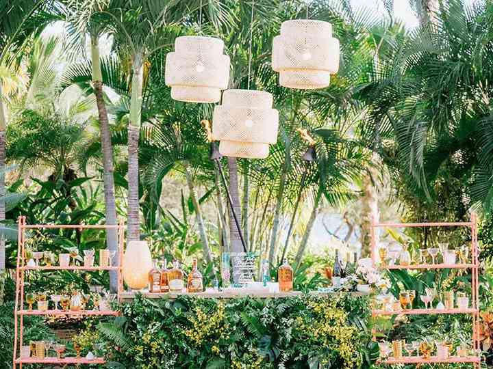 25 Stylish Creative Wedding Bar Ideas For 2020