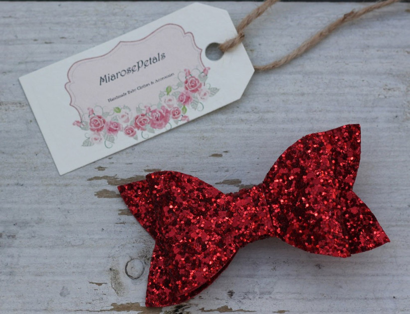 red-sparkly-hair-bow-2