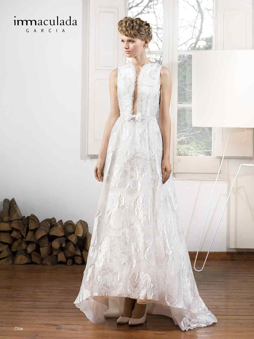 bow-front-wedding-gown