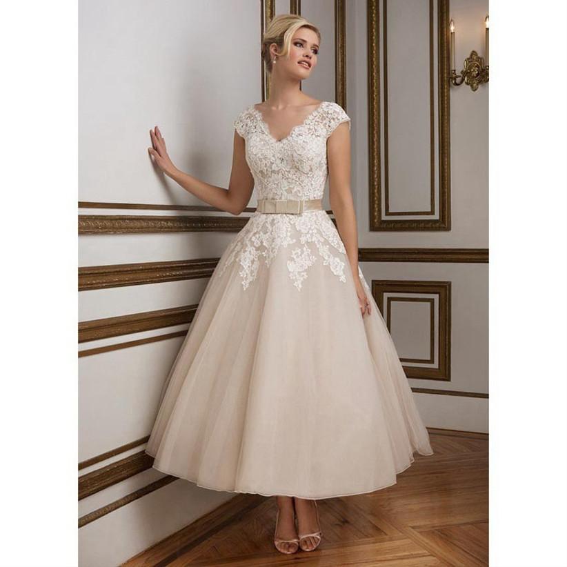 1950s-vintage-style-fairytale-wedding-dress