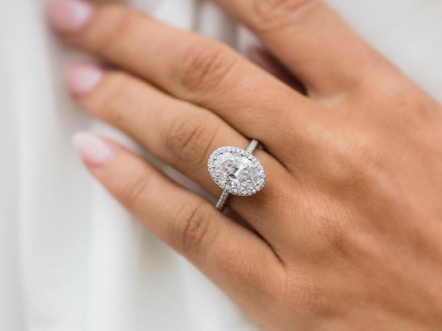 Kourtney Kardashian Sparks Oval Engagement Ring Trend - and These Are Our Favourites!