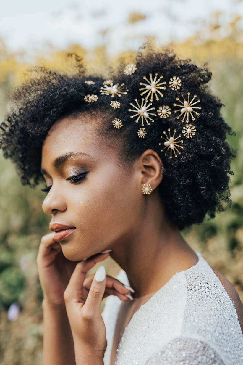 Model with star hair clips