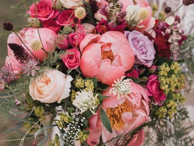 35 of the Prettiest Peony Bouquet Ideas
