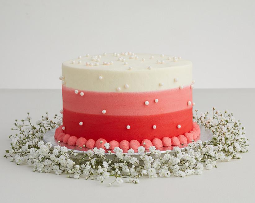 Pearl adorned wedding cake