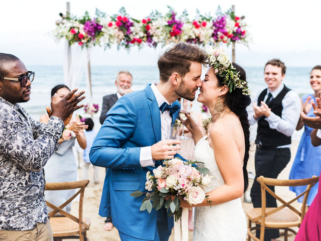 How to Have a Beautiful Wedding Without Going Bankrupt
