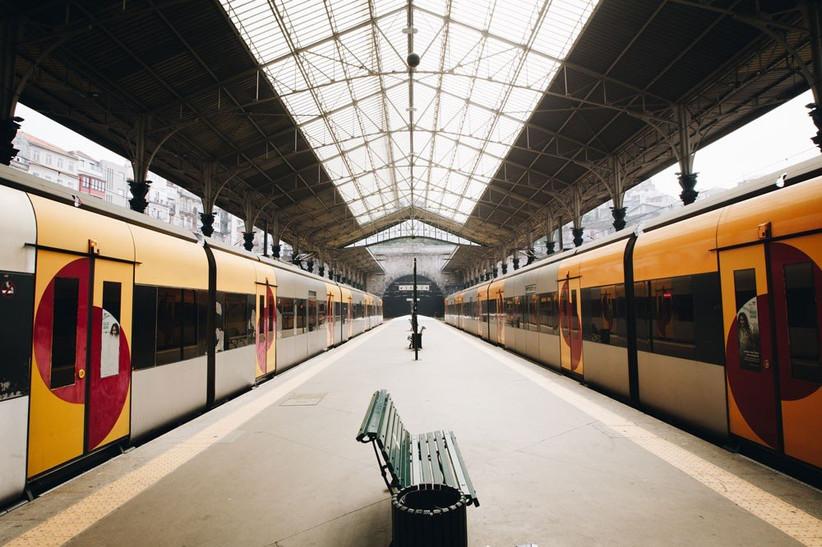 date-ideas-train-hopping