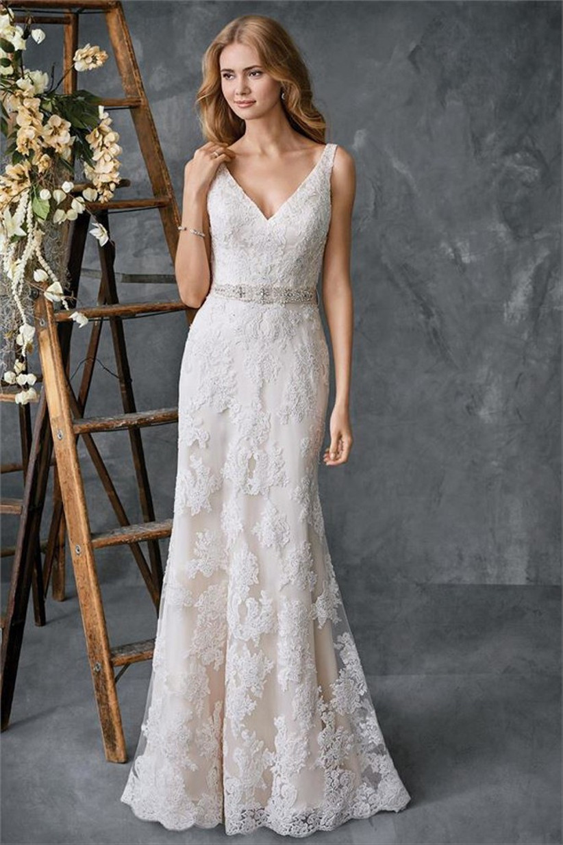 wedding-dress-alterations-and-fittings-17