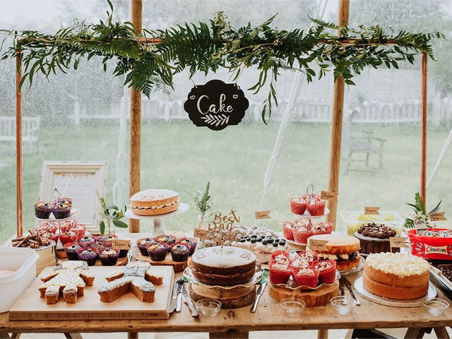 18 Amazing Wedding Dessert Table Ideas (& How to Create Your Own)