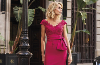 51 of the Best Mother of the Bride Dresses & Outfits for 2021