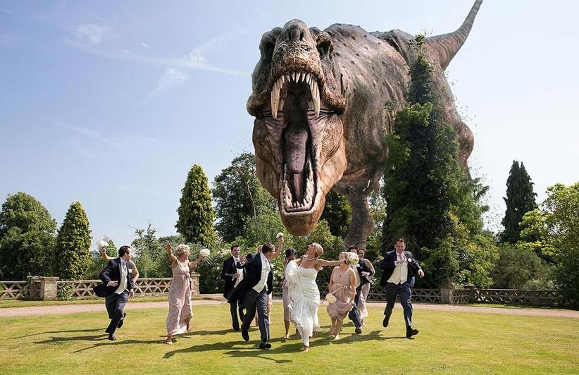 dinosaur-wedding-photo