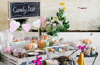22 Cute Wedding Sweet Table Ideas (& How to Create Your Own)