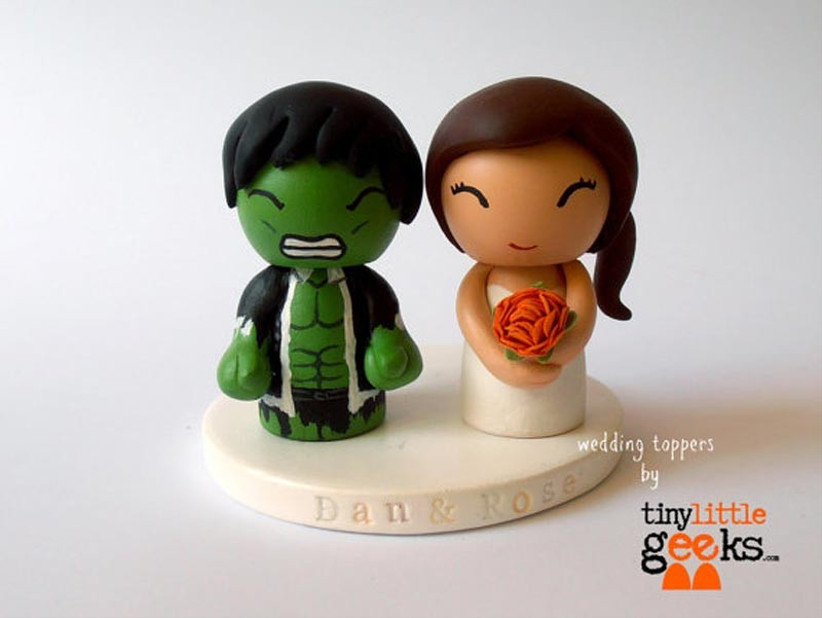 awesome-wedding-cake-toppers-for-tv-and-film-buffs-the-avengers-cake-topper