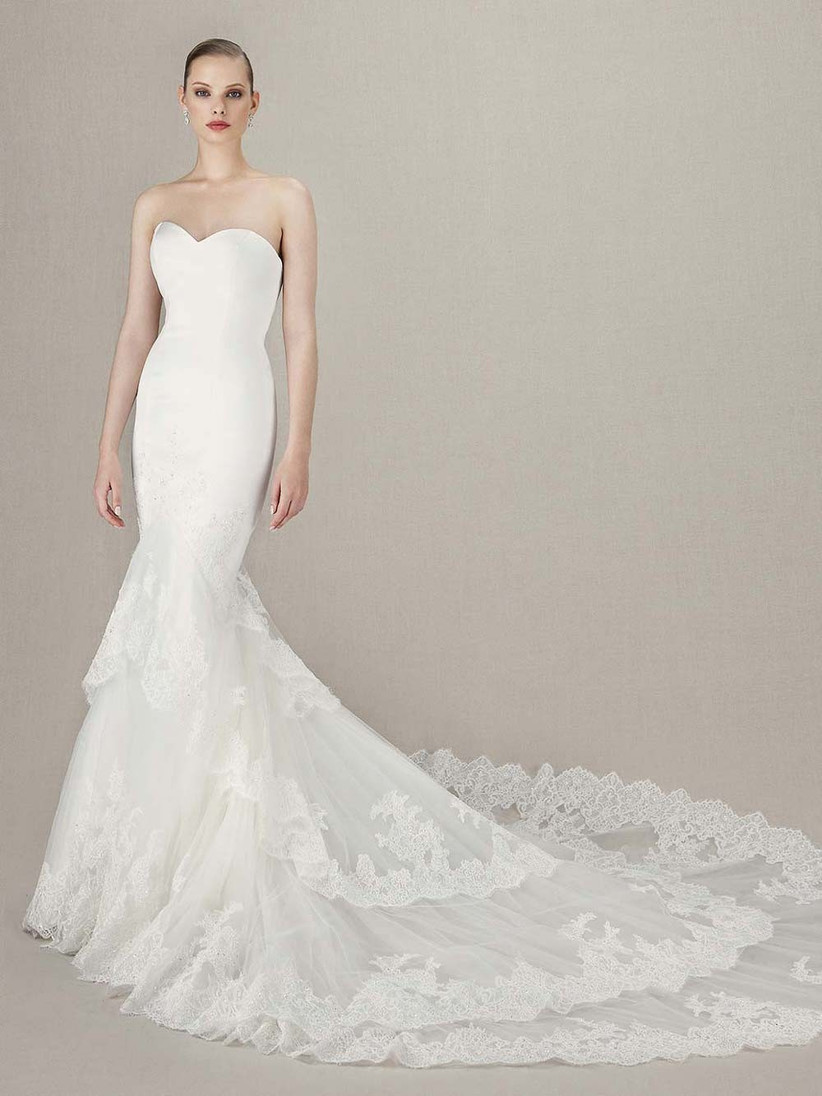mermaid-wedding-dress-with-a-tiered-skirt