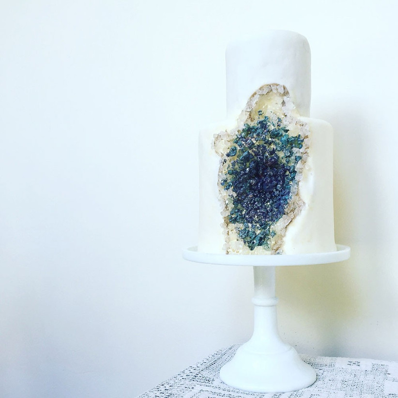geode-wedding-cake