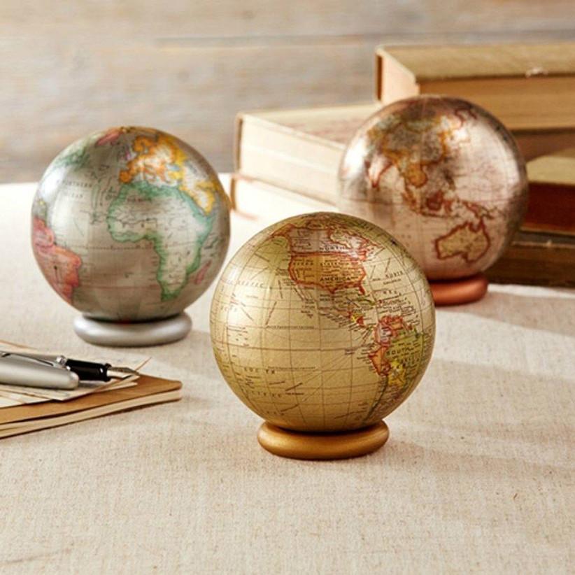 metallic-mini-globes