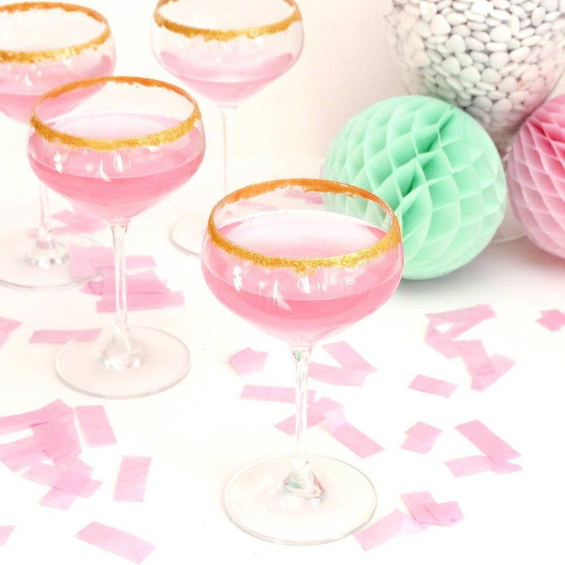 edible-glitter-drinks-peach-blossom