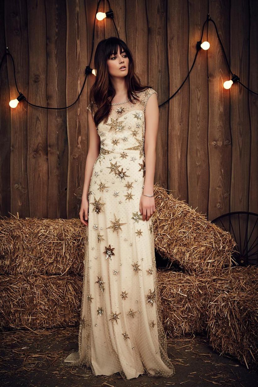 star-patterned-fairytale-wedding-dress