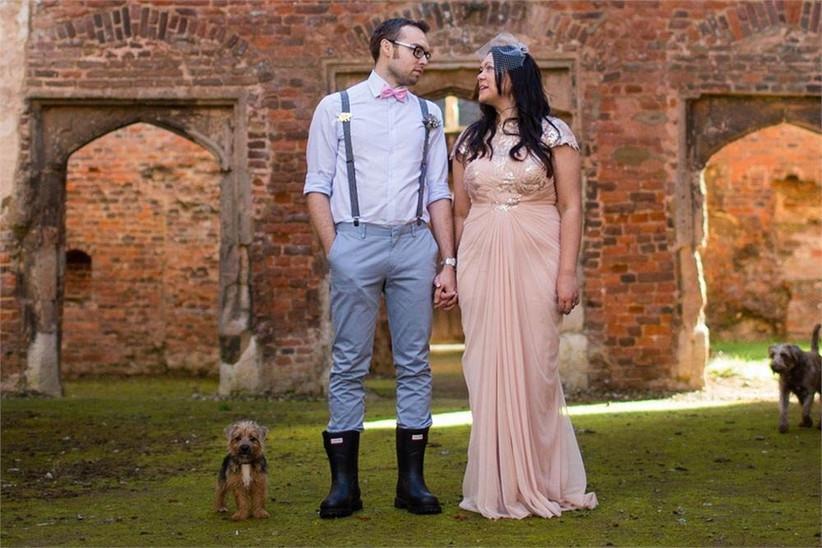 beautiful-rainy-wedding-photography-wedding-couple-in-wellies-2