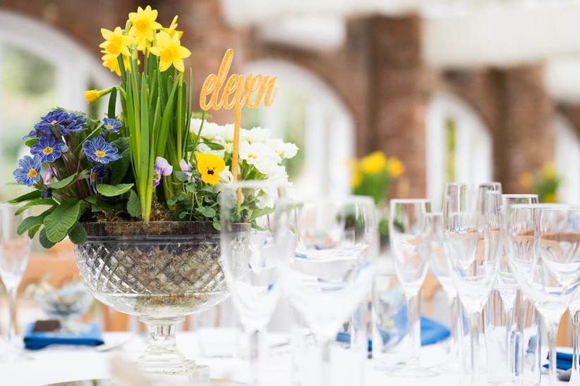 spring-wedding-table-flower-arrangements
