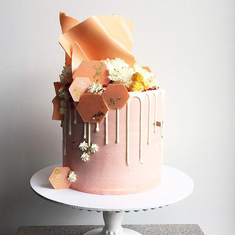 geometric-pink-drip-wedding-cake