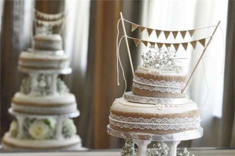 shabby-chic-wedding-cake