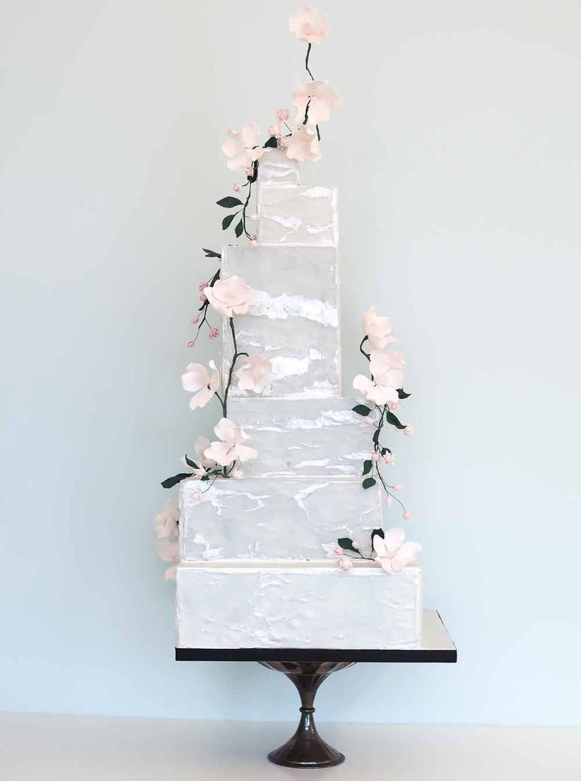 floral-metallic-wedding-cake