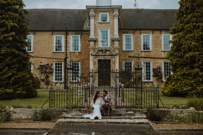 Exterior of Northamptonshire wedding venue Hinwick Hall