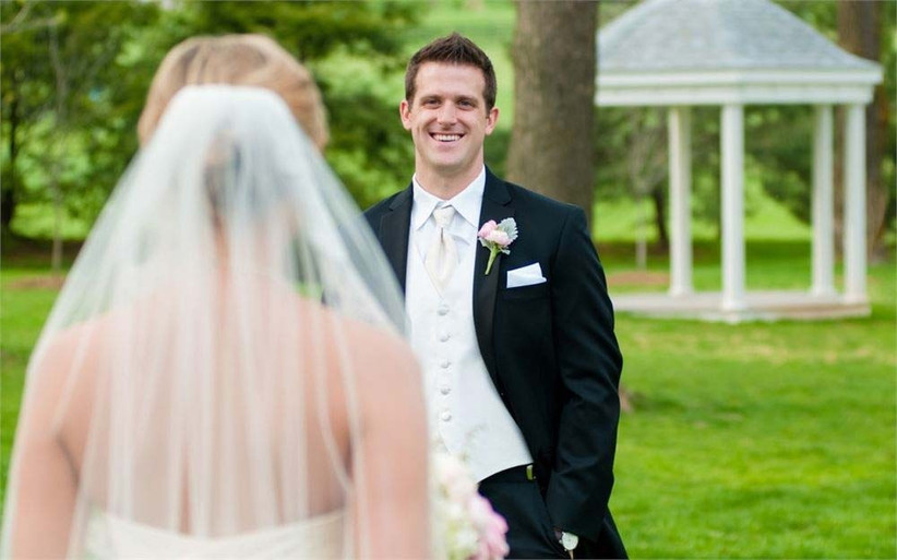 first-look-wedding-photos-by-vintage-heart-photography-5