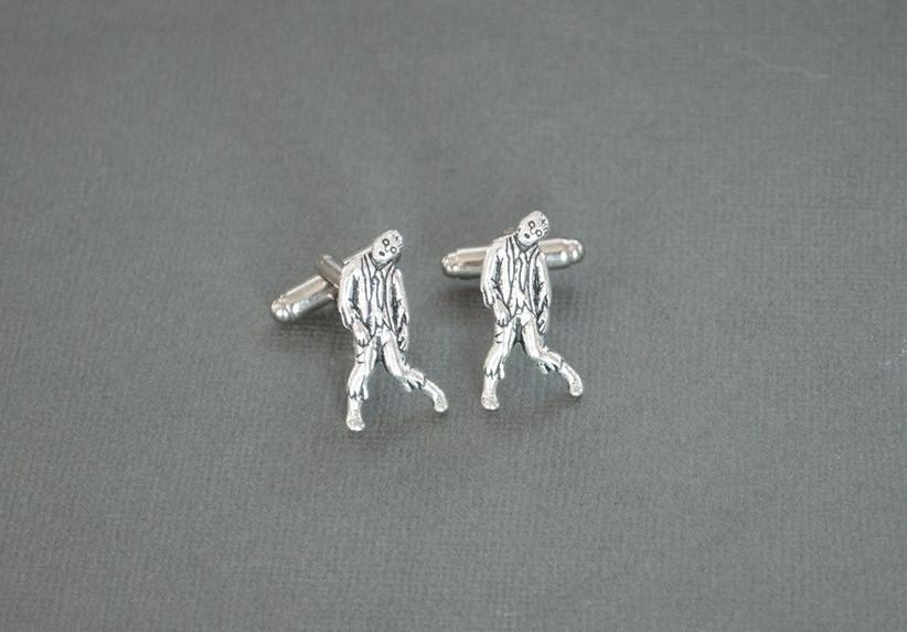 zombie-groom-cufflinks
