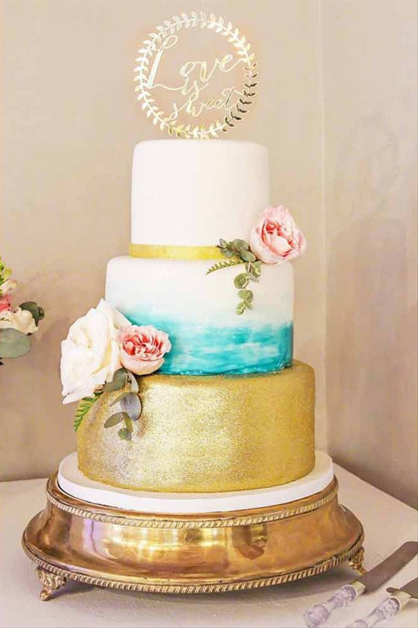 Sparkly-wedding-cakes-gold-sparkly-5314846