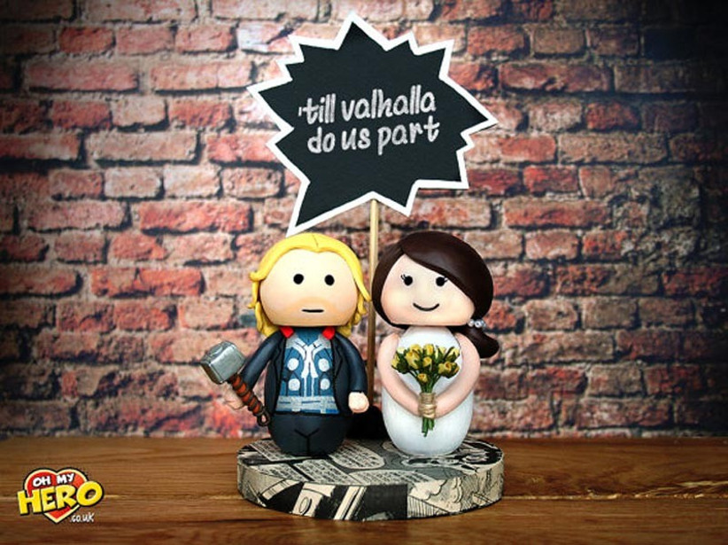 awesome-wedding-cake-toppers-for-tv-and-film-buffs-the-avengers-cake-topper-2