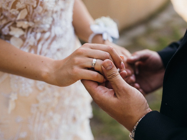 New Study: 71% of Couples Are Postponing Their Wedding Due to COVID-19