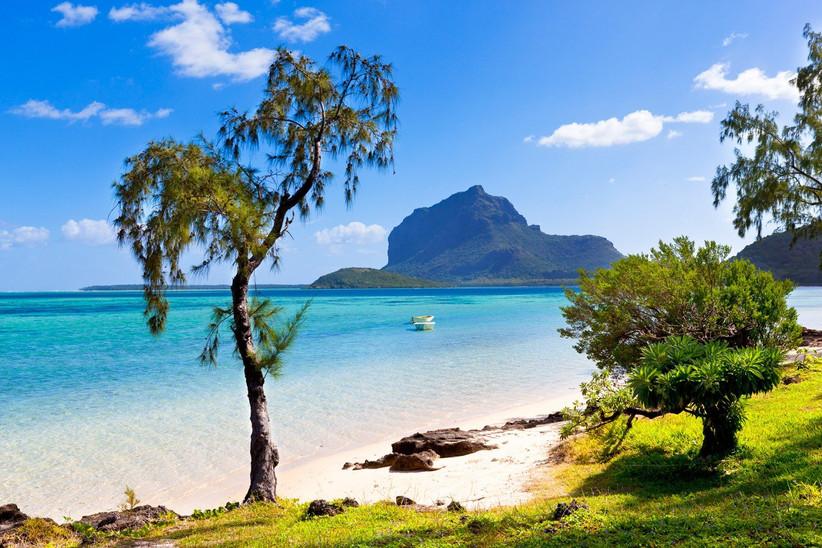 honeymoon-destinations-by-month-34