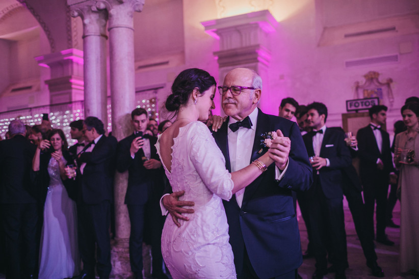 father and daughter dancing at her wedding
